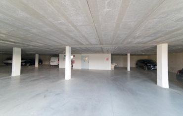 Garda Hill Agriturismo Leistungen Garage