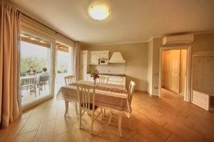 Zwei-Zimmer Ferienwohnungen Garda Hill Agriturismo Gardasee