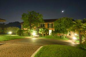 Garda Hill Agriturismo Leistungen Gardasee in der Nacht